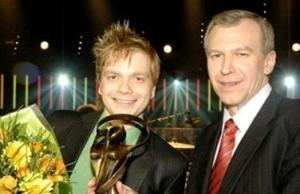 Udo en toenmalig premier Yves Leterme na Udo's overwinning in Zo Is Er Maar Een.