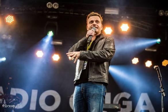 Udo als presentator tijdens Marktrock Bilzen '15